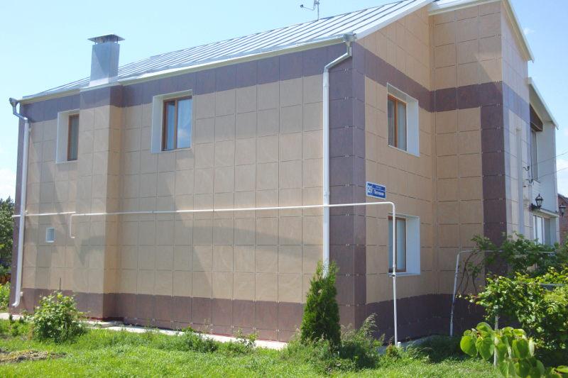 Облицювання вентильованого фасаду керамогранітом