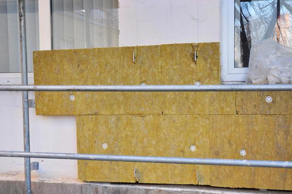 Утеплення стіни будинку мінеральною ватою