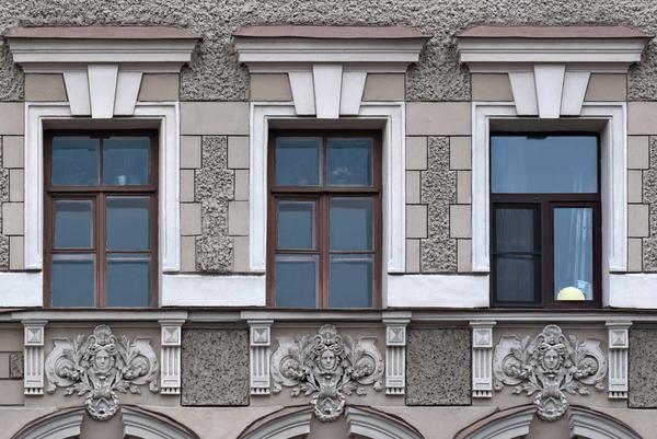 Оштукатурений фасад. Санкт-Петербург