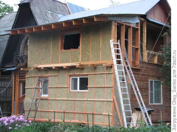 Утеплення дерев'яного будинку мінераловатним утеплювачем компанії ROCKWOOL