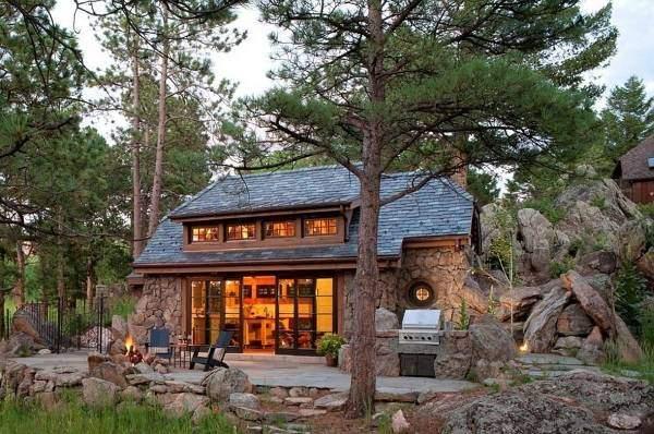 Красивый натуральный камень для фасада