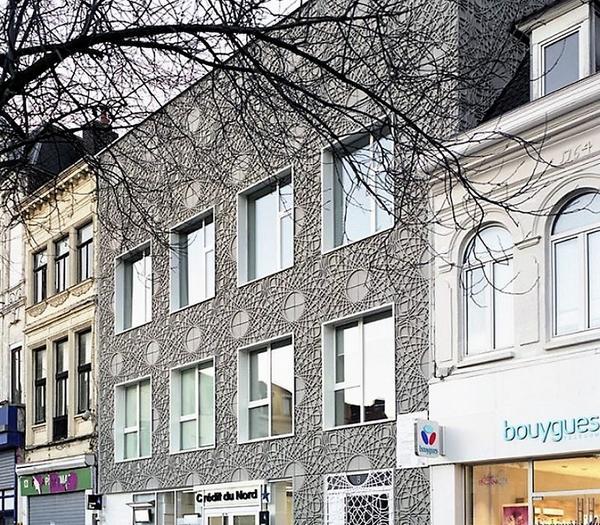 Фасад, декорований панелями з фібробетону. Фото з сайту m.pikabu.ru