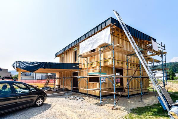 Облицювання фасаду покликана бути захистом внутрішніх конструкцій стін