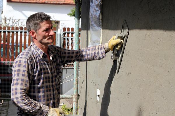 Штукатурка створює безшовне покриття на стіні