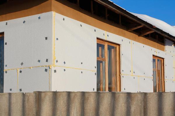 Утеплення стін дерев'яного будинку пінополістиролом