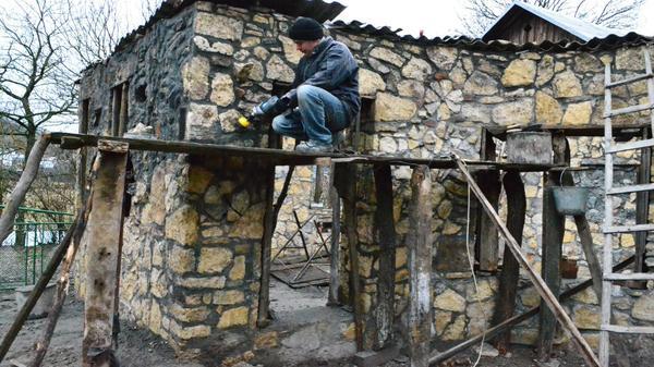 Дикий камінь в оздобленні фасадів. Фото з сайту repair-home.net