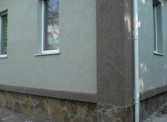 Фасад может быть оштукатурен по утеплителю теплосберегающим составом