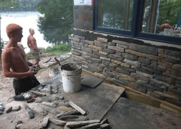 Отделка фасада дома камнем - искусственными винирами