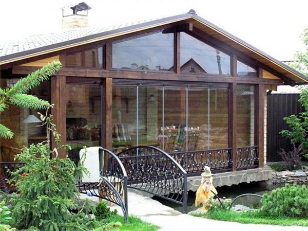 Деревянная веранда пристроенная к дому фото 1