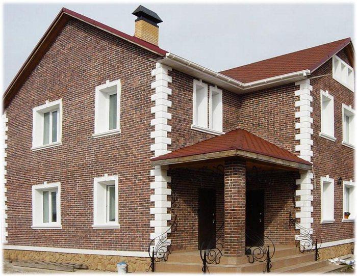 Декоративное оформление фасада дома кирпичом